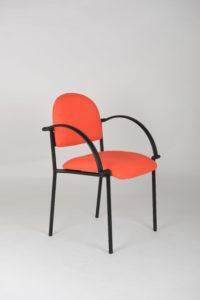 Spirte Chair with arms black